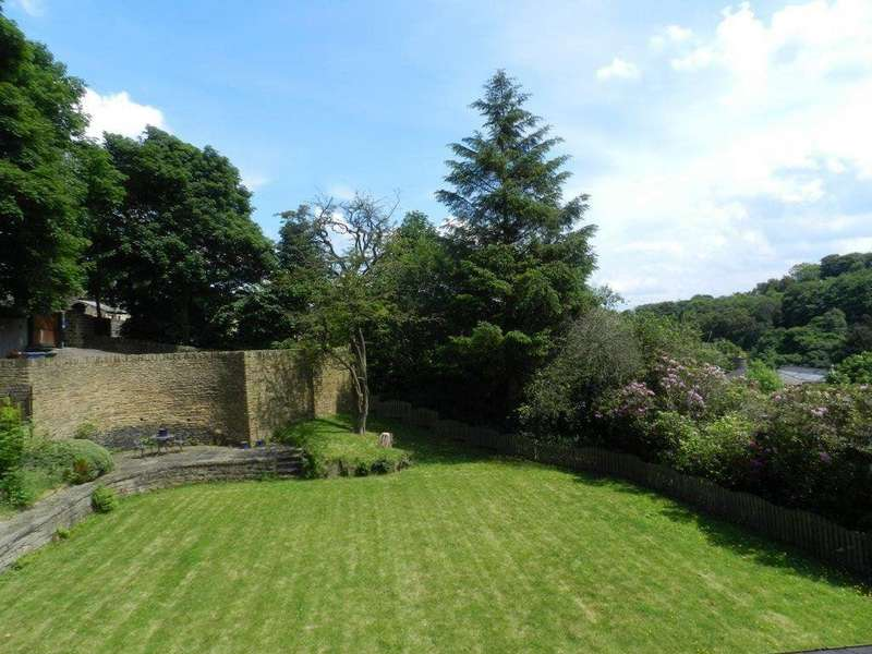 4 Bedrooms Detached House for rent in The Hawthorns, Thurlstone, Sheffield