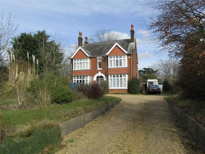 4 Bedrooms Detached House for sale in London Road, Hitchin, SG4