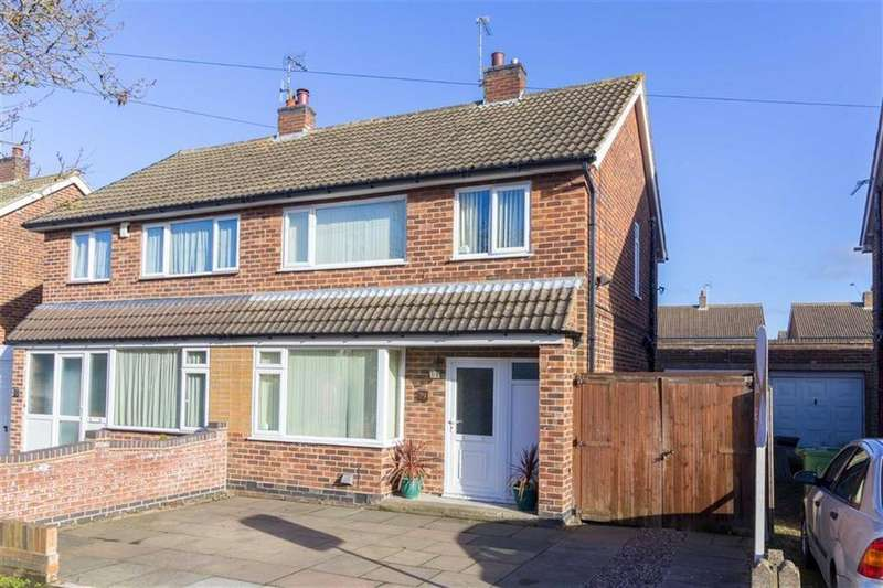 3 Bedrooms Semi Detached House for sale in Balmoral Road, Mountsorrel, LE12