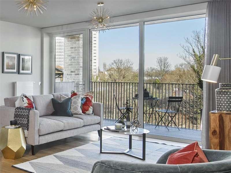 1 Bedroom Flat for sale in Keelson Gardens, Brentford, TW8