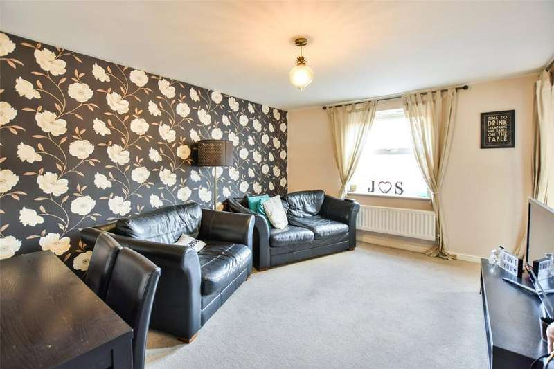 2 Bedrooms Apartment Flat for sale in Osier Drive, Steeple View, Basildon, Essex, SS15