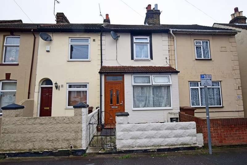 3 Bedrooms Terraced House for sale in Copenhagen Road, Gillingham, ME7