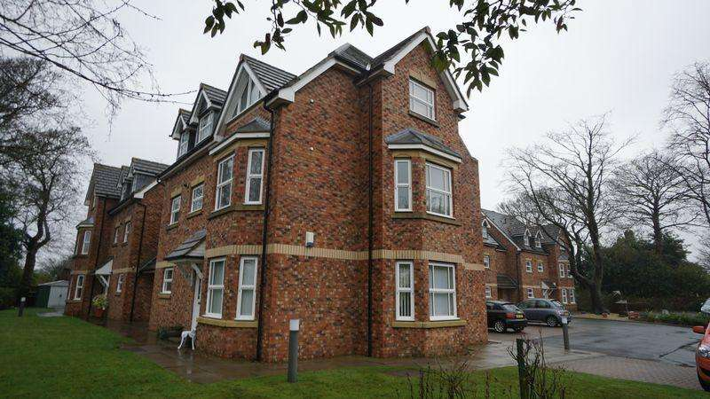 2 Bedrooms Apartment Flat for sale in Whinstone Mews, Benton