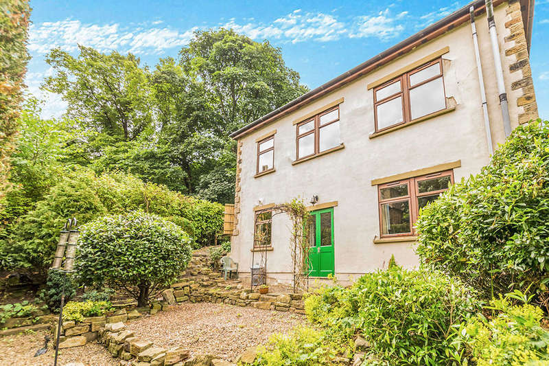 4 Bedrooms Detached House for sale in Norristhorpe Lane, Liversedge, WF15
