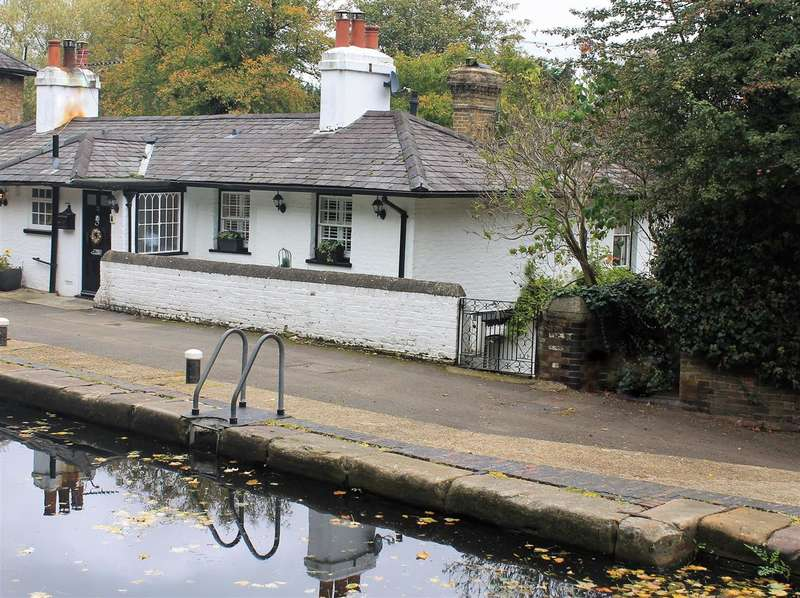 3 Bedrooms Cottage House for sale in Lock Keeper's Cottage