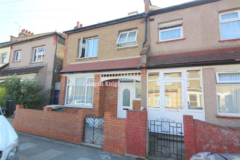 7 Bedrooms Terraced House for rent in Wall End Road, East Ham