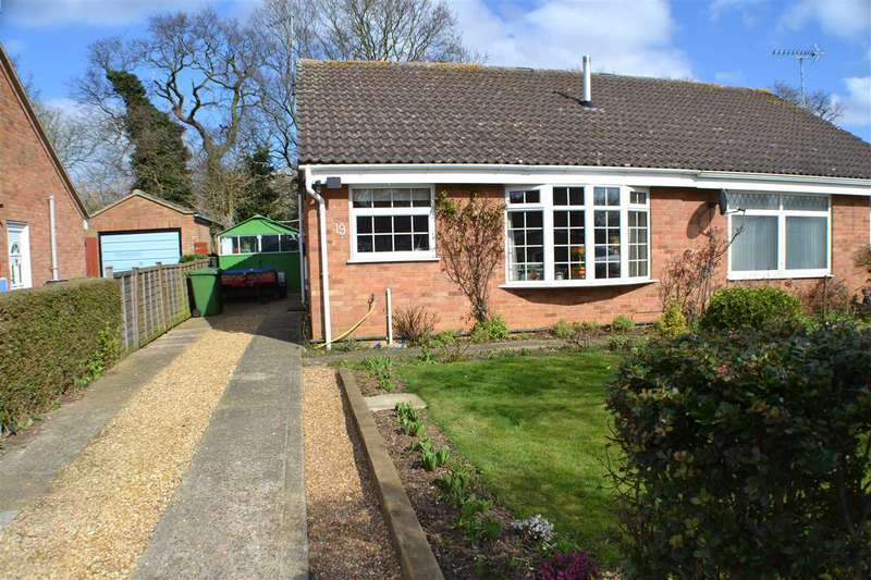 2 Bedrooms Bungalow for sale in College Drive, Heacham