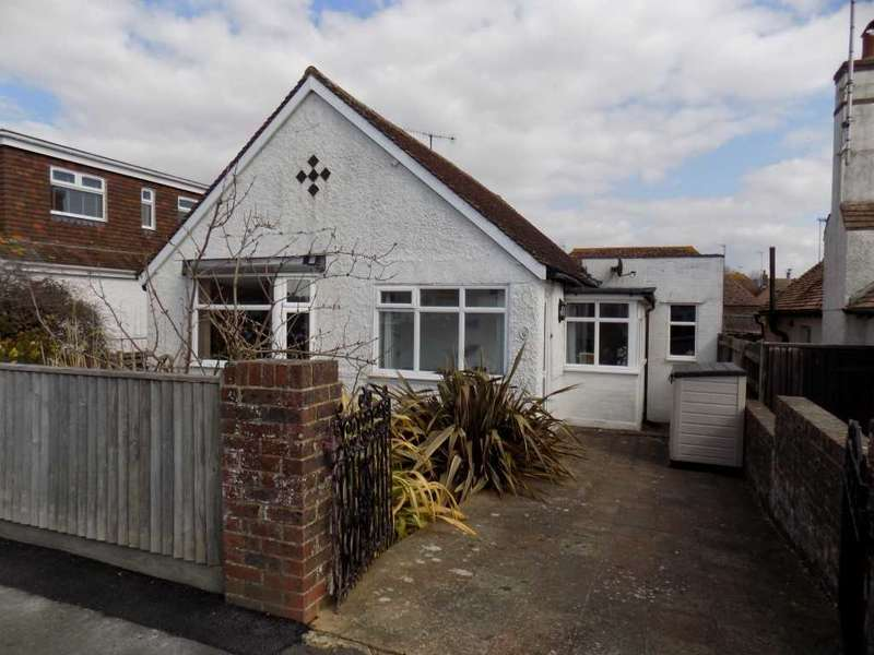 3 Bedrooms Bungalow for sale in Chyngton Gardens, Seaford