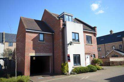 4 Bedrooms Town House for sale in Cambridge