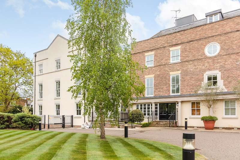 3 Bedrooms Apartment Flat for sale in Ham
