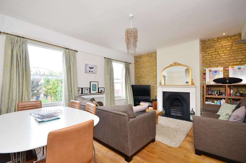 3 Bedrooms Flat for rent in Friern Road, East Dulwich, SE22