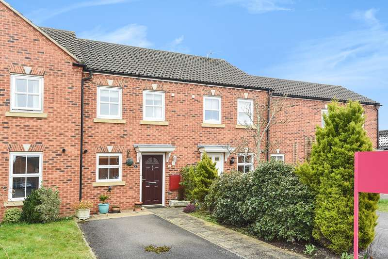 2 Bedrooms Terraced House for sale in Victoria Gardens, Wokingham, RG40