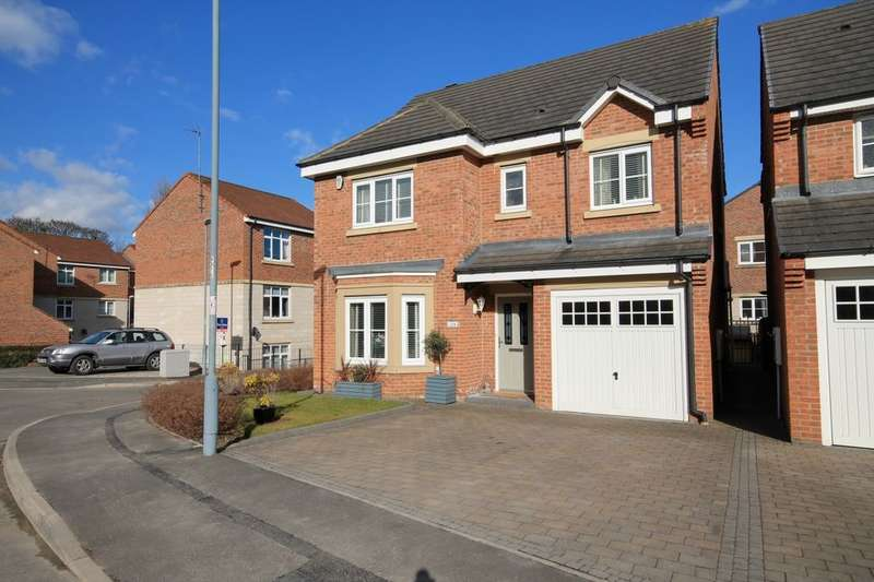 4 Bedrooms Detached House for sale in Highfield Rise, Chester Le Street, DH3