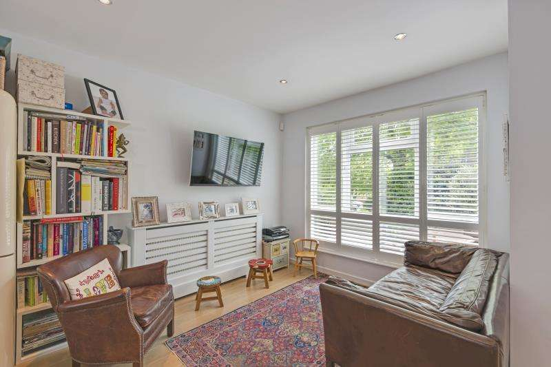 4 Bedrooms House for sale in Vane Close, Hampstead Village