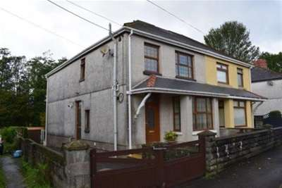 3 Bedrooms House for rent in Ammanford Road, Llandybie
