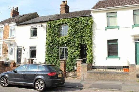 3 Bedrooms Property for sale in Old Town