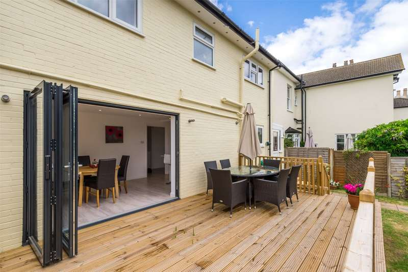 4 Bedrooms Detached House for sale in Earlswood Road, Redhill, Surrey, RH1