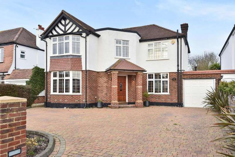 4 Bedrooms Detached House for sale in Elwill Way, Beckenham