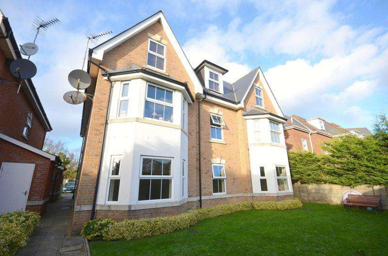 2 Bedrooms Flat for sale in SPRINGBOURNE, BOURNEMOUTH
