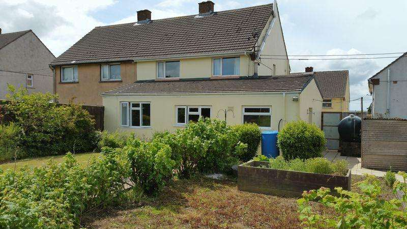 3 Bedrooms Semi Detached House for rent in Wesley Place, Haverfordwest