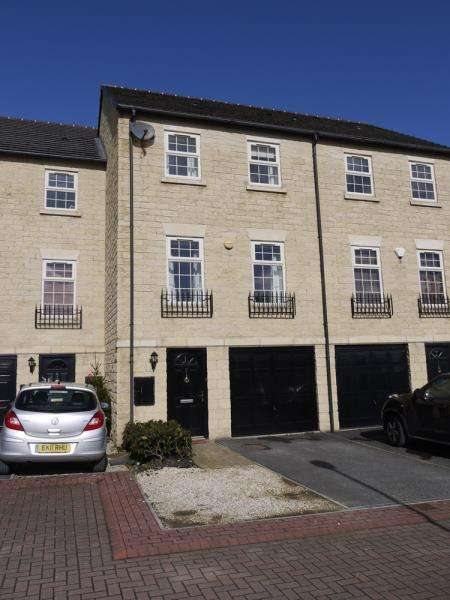 4 Bedrooms Town House for rent in 5 Silver Cross Way, Guiseley, LS20 8FG