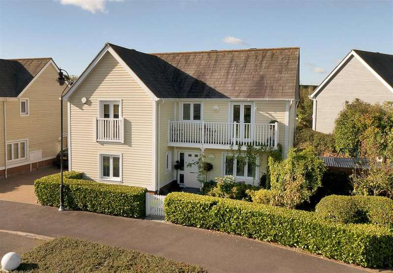 4 Bedrooms Detached House for sale in The Lakes, Larkfield, ME20 6SJ