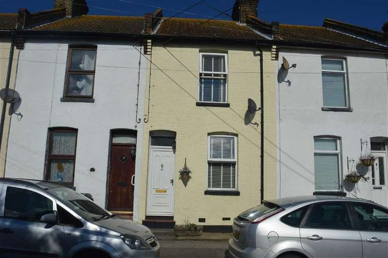 3 Bedrooms Terraced House for sale in Queen Elizabeth Chase, Rochford, Essex
