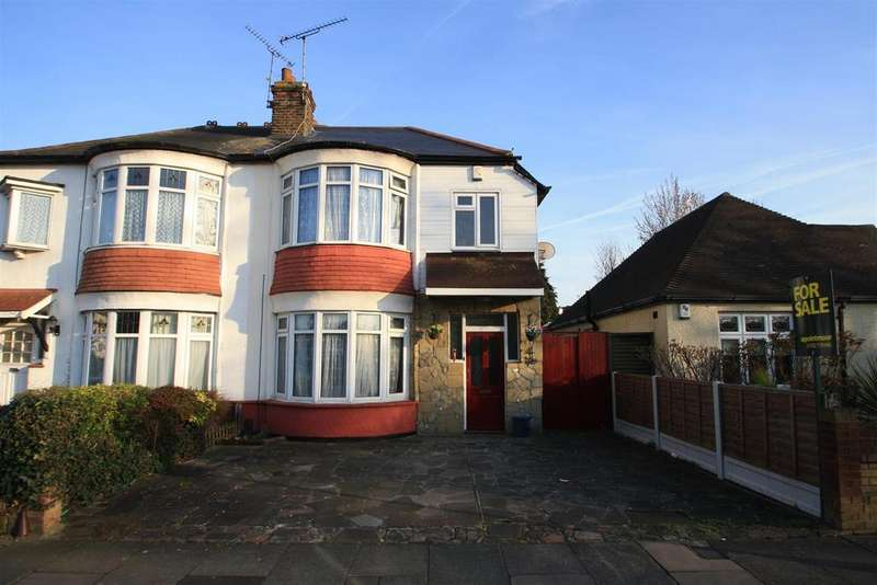 3 Bedrooms Semi Detached House for sale in Highfield Grove, Westcliff-On-Sea