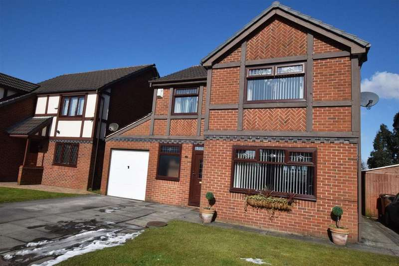 4 Bedrooms Detached House for sale in Gildersdale Drive, Blackley, Manchester