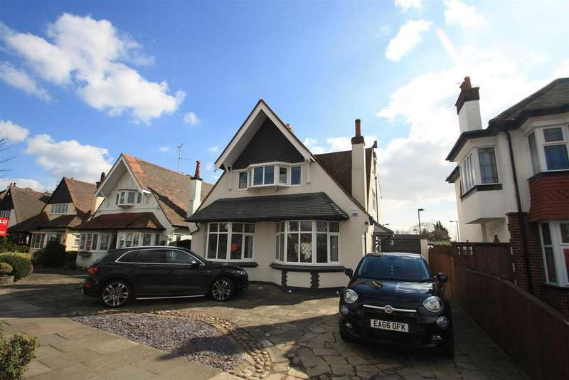 3 Bedrooms Detached House for sale in The Ridgeway, Chalkwell, Westcliff-On-Sea