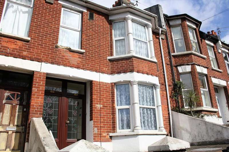 2 Bedrooms Flat for sale in Bear Road