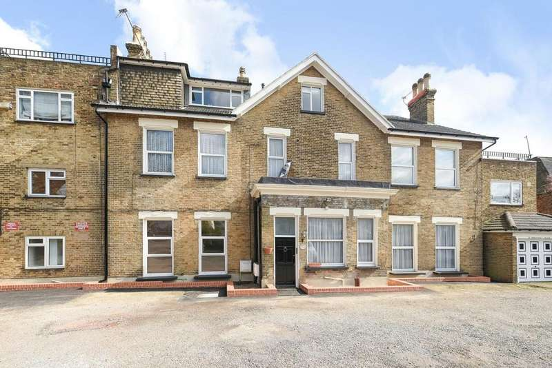 1 Bedroom Flat for sale in Somertrees Avenue, Lee