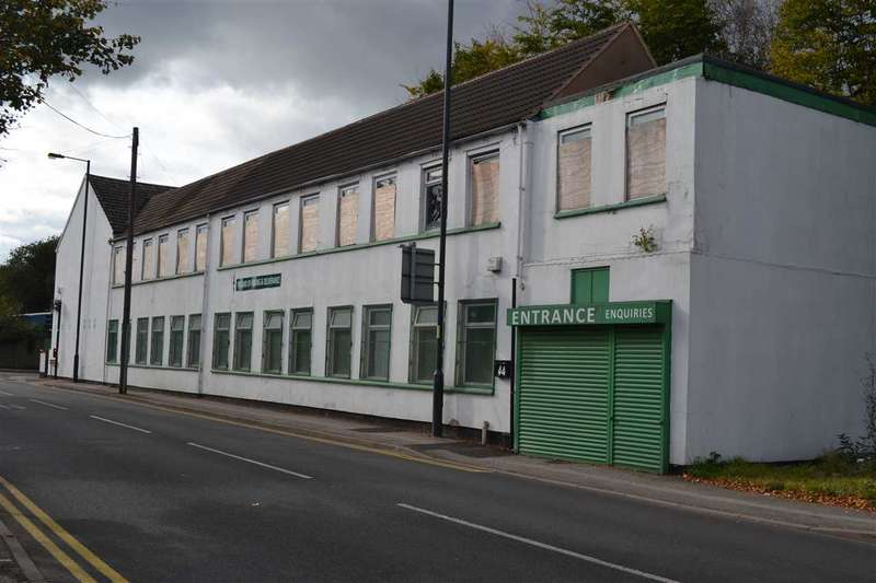 Commercial Property for rent in Stringes Lane, Willenhall
