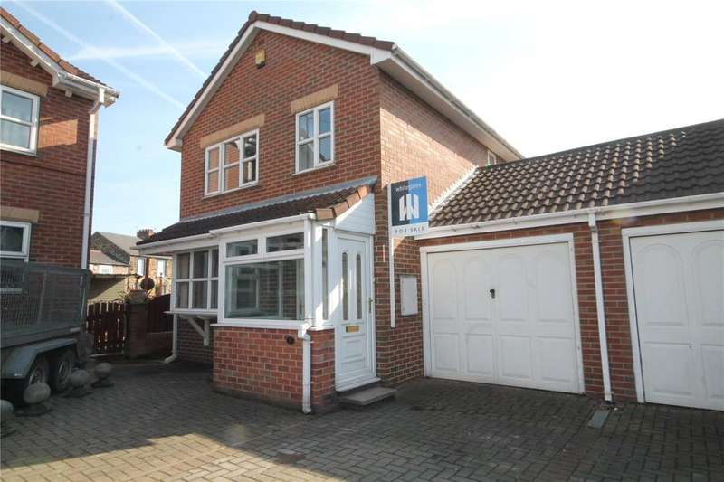 3 Bedrooms Link Detached House for sale in Hamble Court, Mapplewell, Barnsley, S75