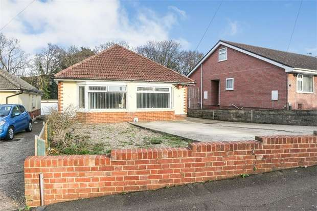 4 Bedrooms Detached Bungalow for sale in Nutley Way, Bournemouth, Dorset