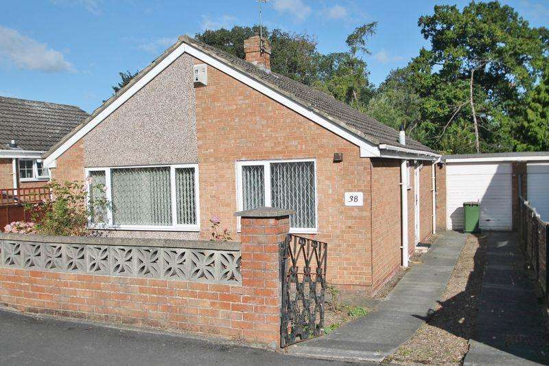 2 Bedrooms Detached Bungalow for rent in Esher Avenue, Normanby
