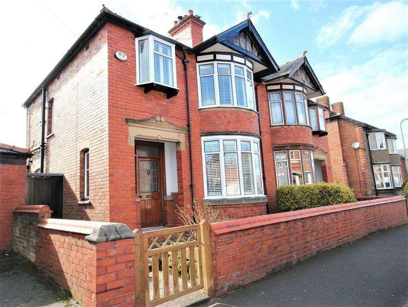 3 Bedrooms Semi Detached House for sale in Salisbury Road, Whitchurch