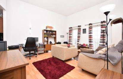 2 Bedrooms Flat for sale in Lower Holywell, 11 Holywell Heights, Sheffield, South Yorkshire