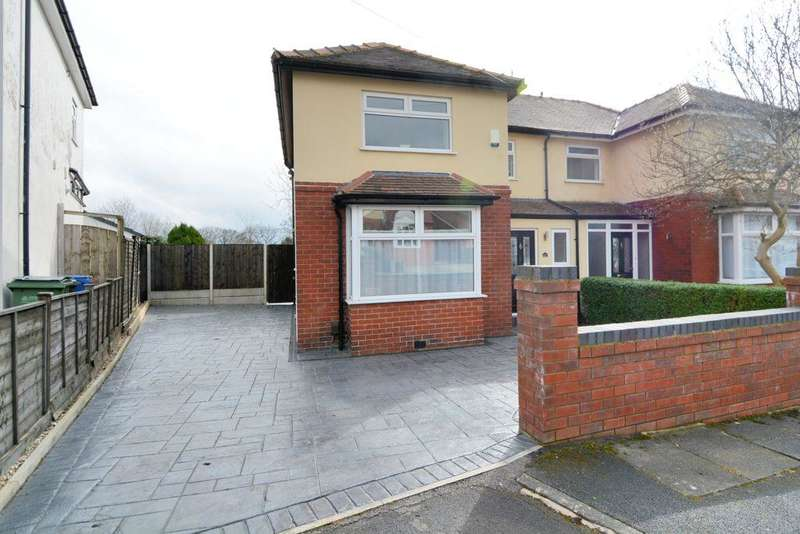 3 Bedrooms Semi Detached House for sale in The Drive, Bredbury, Stockport, SK6 2ED