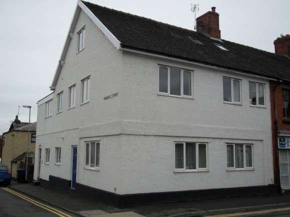 2 Bedrooms Flat for rent in Congleton Road, Biddulph, Stoke-On-Trent