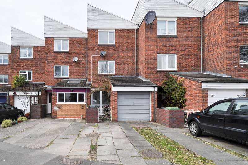 3 Bedrooms Terraced House for sale in Huntington Close, Redditch, B98