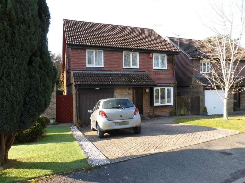 4 Bedrooms Detached House for sale in Spring Gardens, Copthorne, Crawley