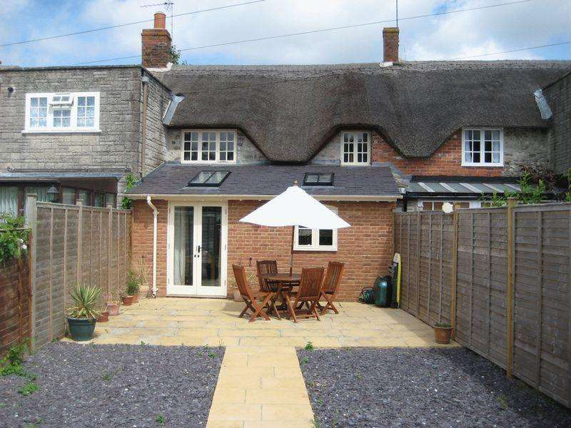 2 Bedrooms Cottage House for rent in Westernway, Winsham