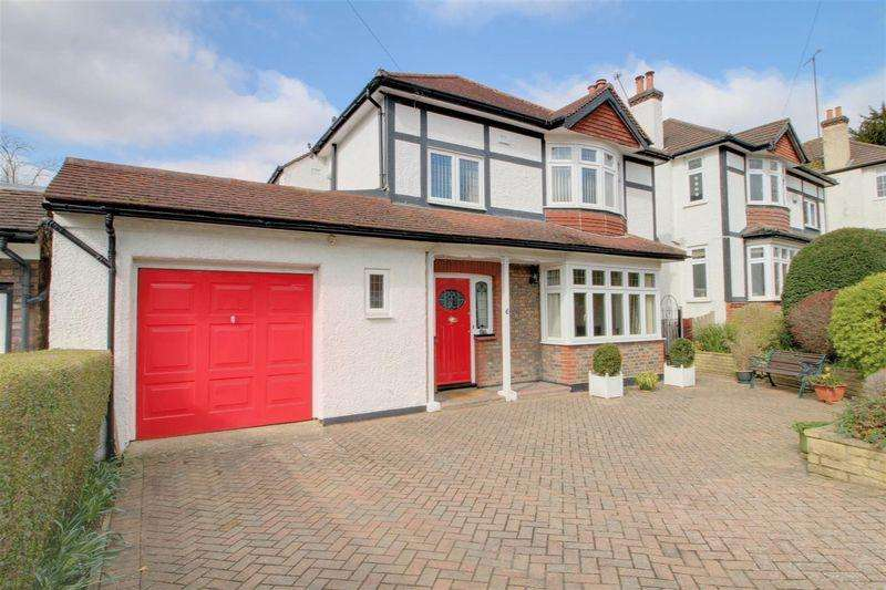 3 Bedrooms Detached House for sale in Purley Bury Avenue, Purley
