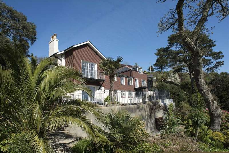 4 Bedrooms Detached House for sale in Castle Road, Kingswear, Dartmouth, TQ6