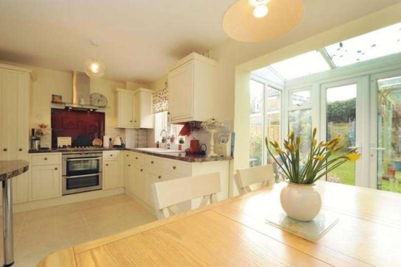 3 Bedrooms Terraced House for sale in Clement Court, Maidstone