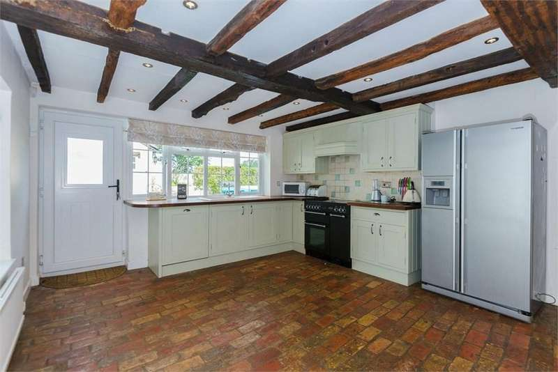 4 Bedrooms Detached House for rent in Southill Rd, Old Warden, SG18