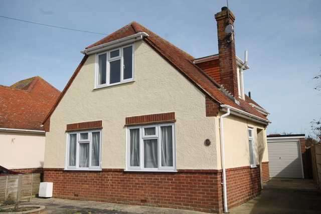 3 Bedrooms Chalet House for sale in Princes Road, Holland on Sea