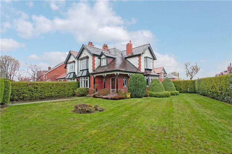 3 Bedrooms Semi Detached House for sale in York Road, GRAPPENHALL, Warrington, WA4