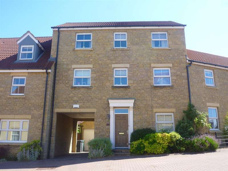 4 Bedrooms Town House for sale in Staverton